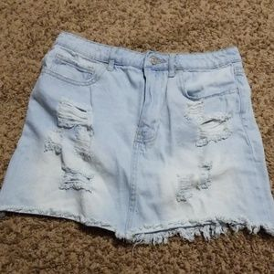Forever 21 light wash denim skirt 28